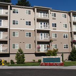 Glenwood Hills - building and entry